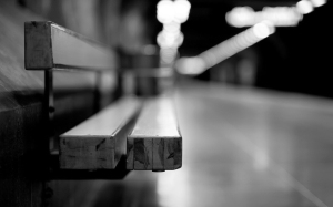 15191-bench-in-the-train-station-1920x1200-photography-wallpaper